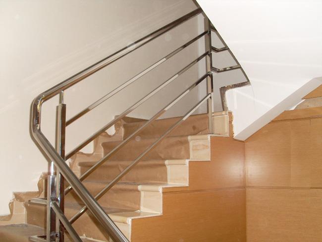 Escaleras y Pasamanos | Magosa